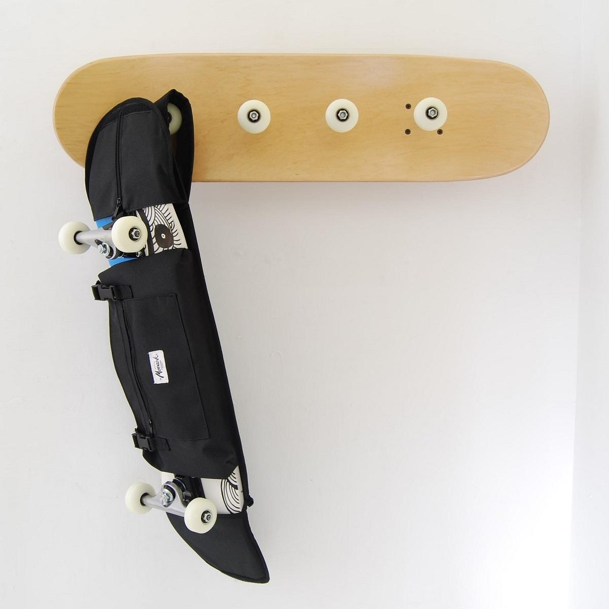 excellente porte manteau de patin et un sac de planche de skate pour transporter sa planche pour. Black Bedroom Furniture Sets. Home Design Ideas