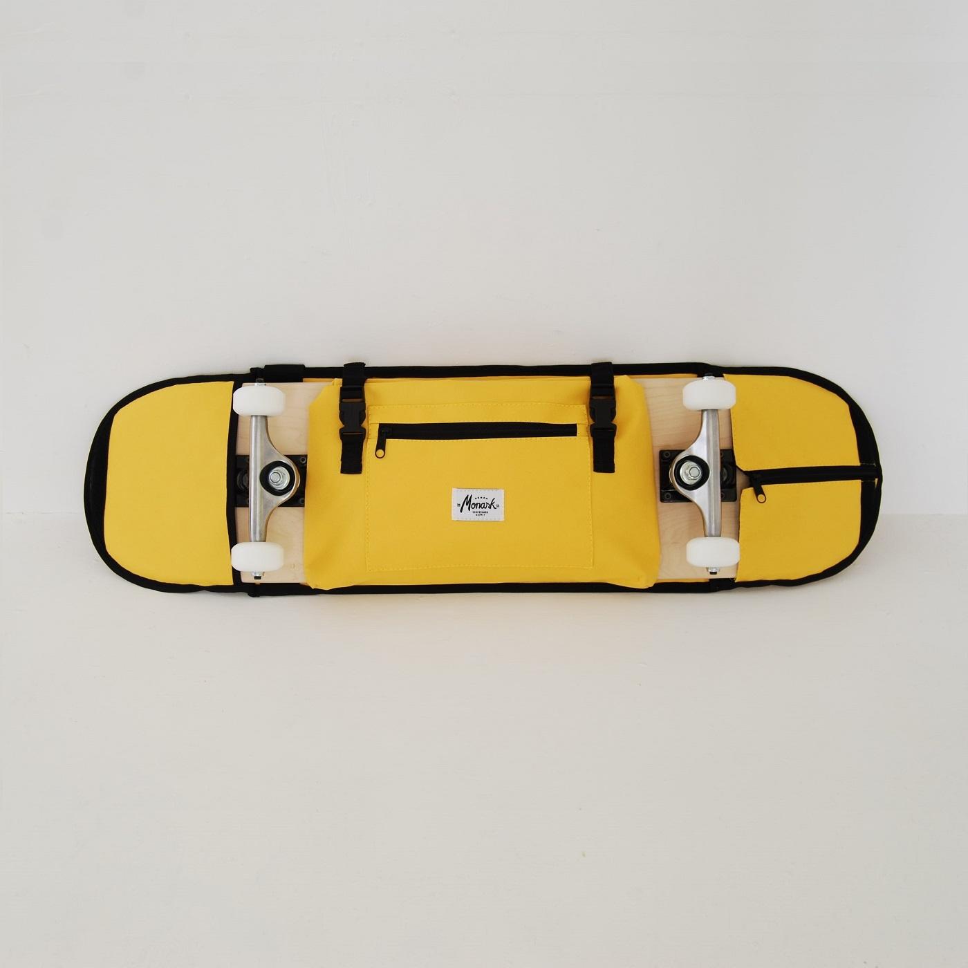 la meilleure fa on de transporter votre planche de skate sur un v lo ou d 39 une moto. Black Bedroom Furniture Sets. Home Design Ideas