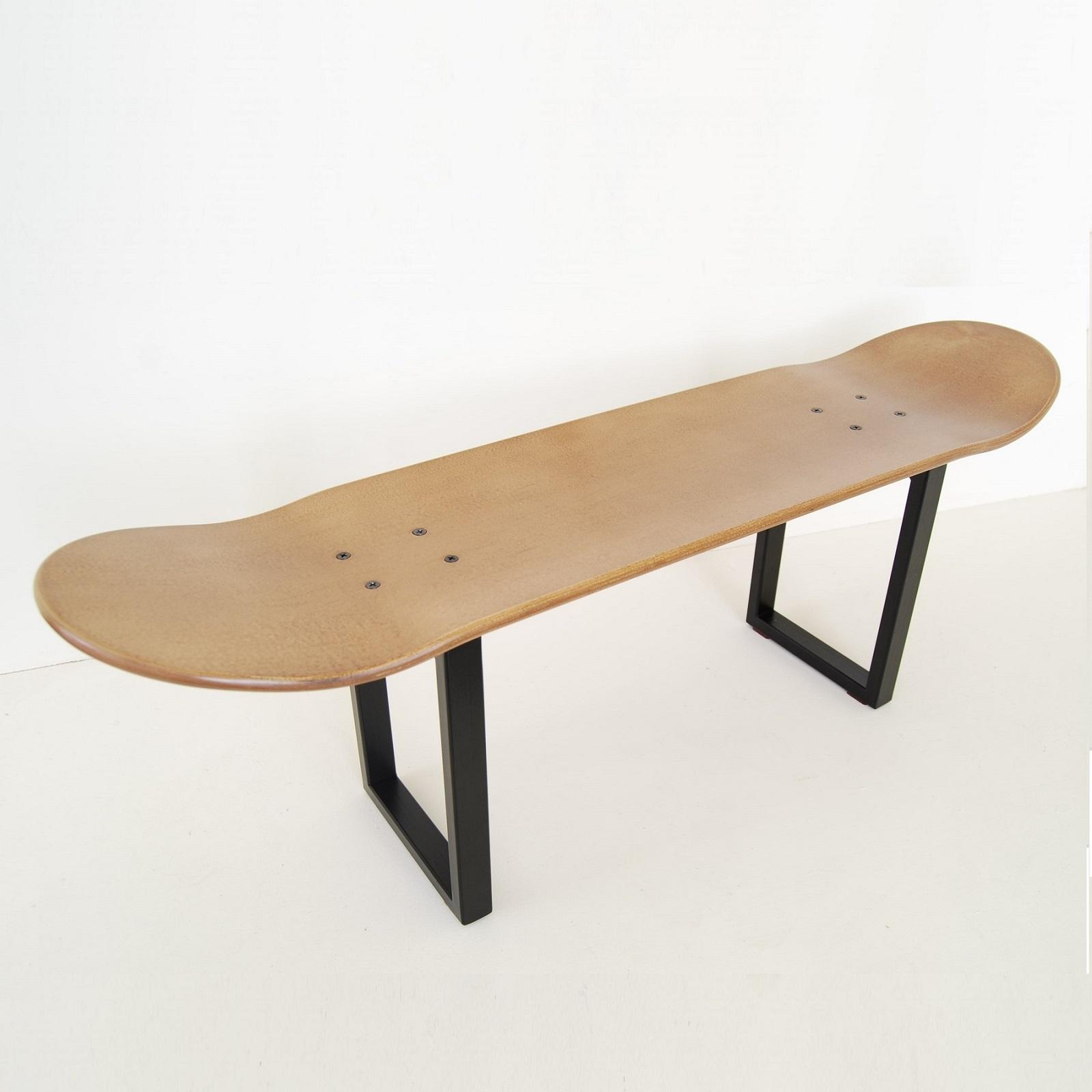 no comply skateboard avec pieds du tabouret en m tal et planche skate bois clair skate home. Black Bedroom Furniture Sets. Home Design Ideas
