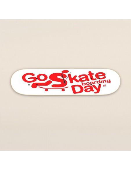 Go Skateboarding Day, reloj de pared Blanco