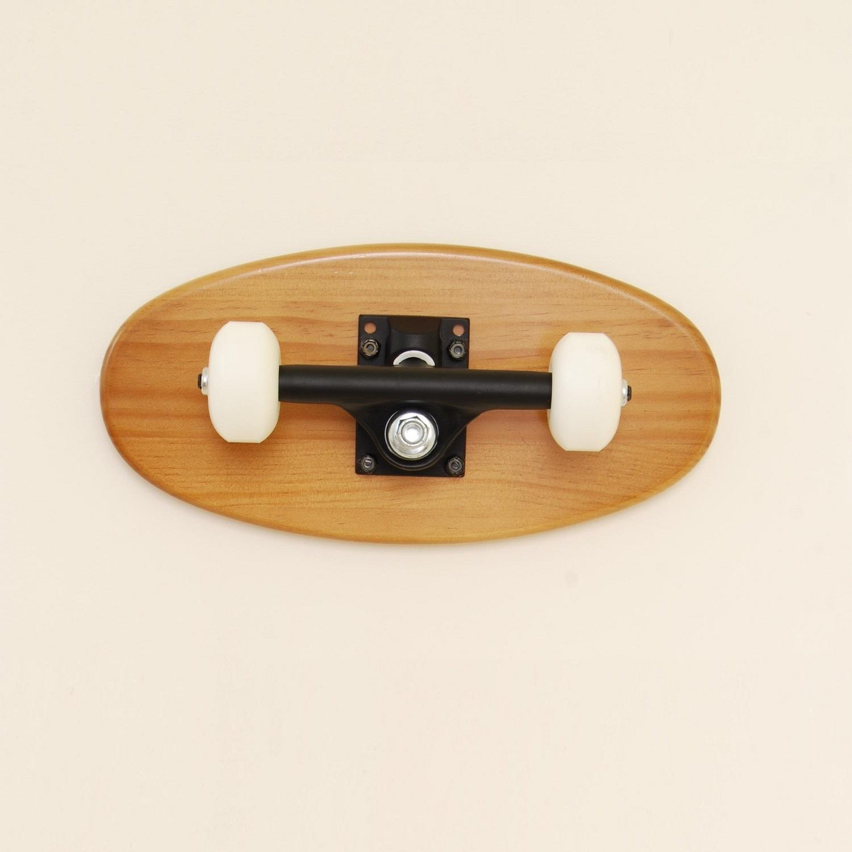 porte manteaux crooked bois clair skate home skateboard furniture design. Black Bedroom Furniture Sets. Home Design Ideas