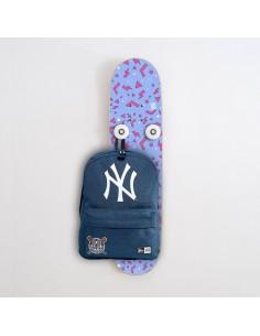 Vertical Porte-manteau Skateboard Handplant, Style géométrique bleu et rose
