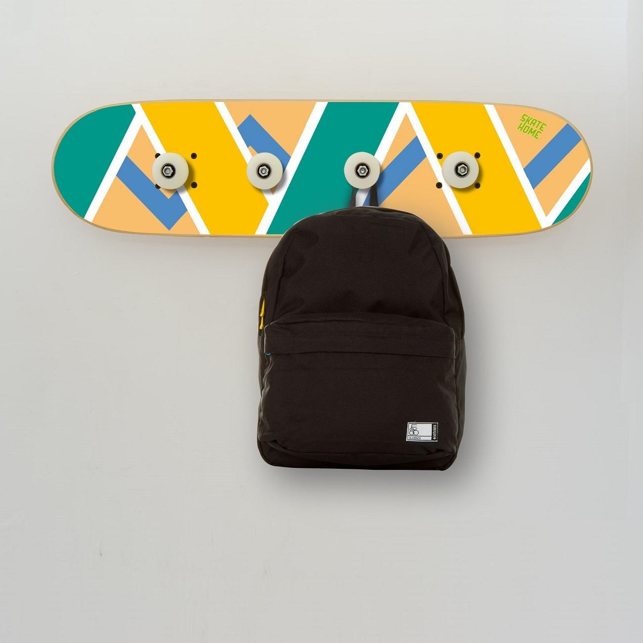 skateboard dekoration f r jugendzimmer skateboard garderobe. Black Bedroom Furniture Sets. Home Design Ideas