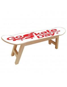 Skate-Möbel, um einen Skateboarder in einem Sportraum zu motivieren