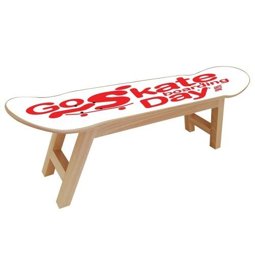 Meubles skate pour motiver un skateur dans une salle de sport