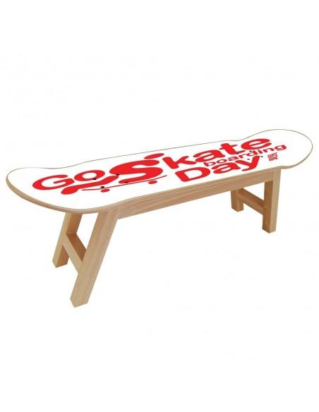 Go Skateboarding Day, Taburete Nollie Flip Blanco