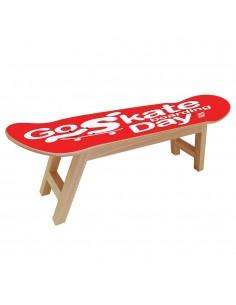 Feier des GO SKATEBOARDING mit diesen Möbeln für Skater