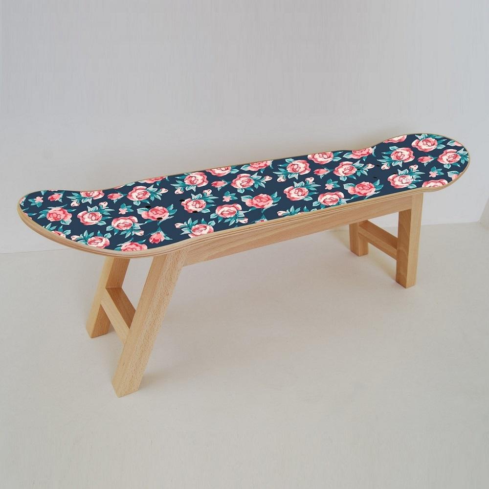 Rosas peque as en muebles de skate for Muebles rosas