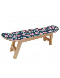 Rosas pequeñas en muebles de skate