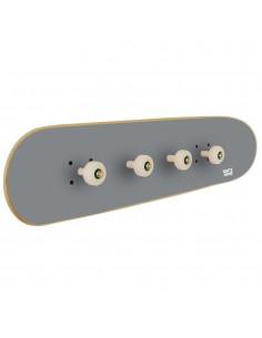 Original Wandgarderobe für einen Skateboarder