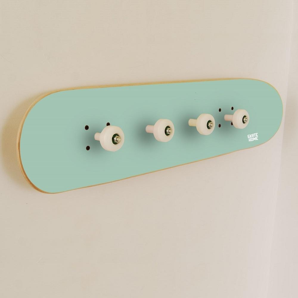 skate porte manteau pour chambre juv nile avec skateboard. Black Bedroom Furniture Sets. Home Design Ideas