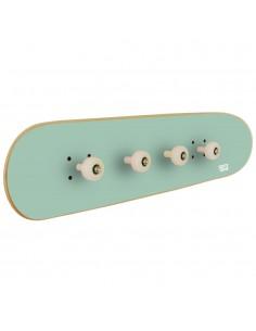 Garderobe für Jugendzimmer mit Skateboard