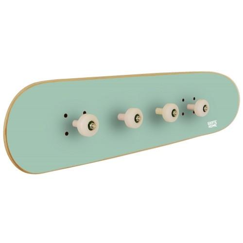 Perchero para habitación juvenil con tabla de skate