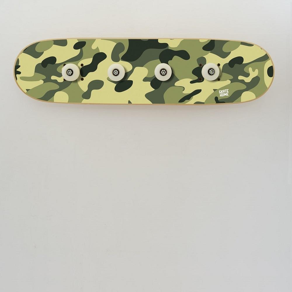 portemanteau skateboard en camouflage meuble d 39 origine. Black Bedroom Furniture Sets. Home Design Ideas