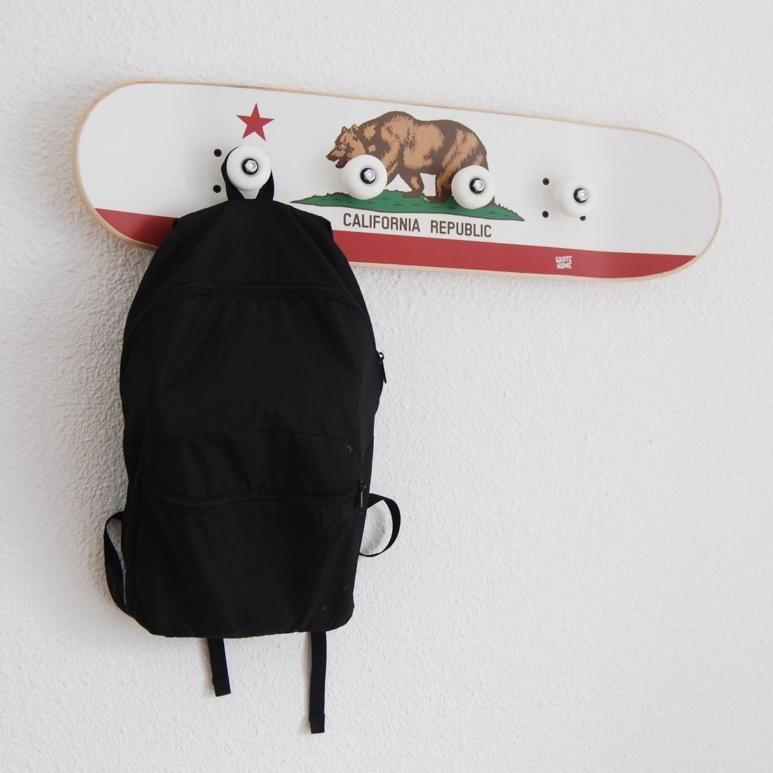 drapeau californie porte manteau pour adolescents salle th me skate. Black Bedroom Furniture Sets. Home Design Ideas