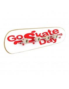 Go Skateboarding Day, accrochage au mur Blanc