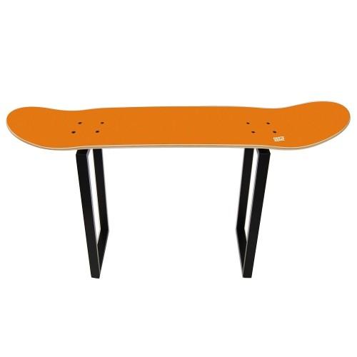 Regalo para skaters especiales con este taburete alto naranja