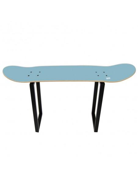 Bank Skateboard Shove It, Blauer Himmel