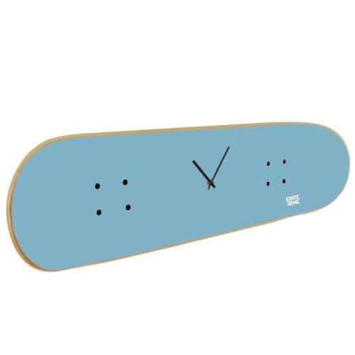 Perfektes Geschenk mit Skateboard Uhr für junge Skateboarder