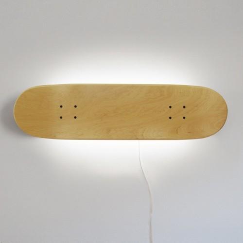 Perfekte Skate-Lampe für einen Skateboard-Liebhaber