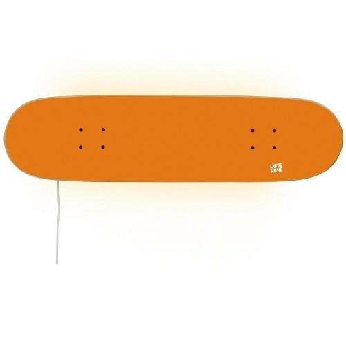 Entwerfen Sie die Jugendzimmer mit einem Skate-Stil