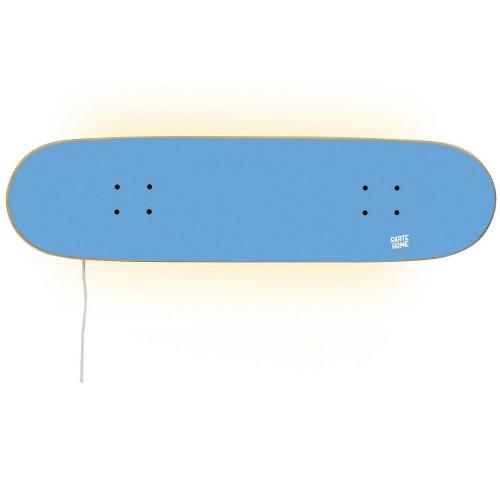 Accesorio de decoracion skate con lampara sobre tabla de monopatin