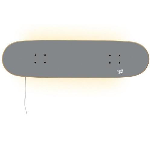 Lámpara en tabla de skate para iluminar tu habitación