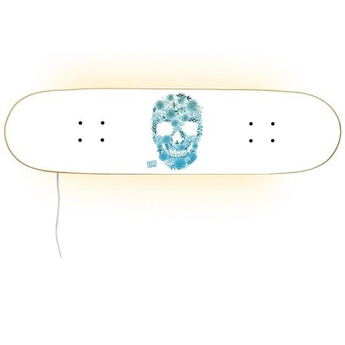 Skull design lamp for skateboarders and sports fan