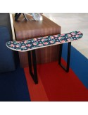 Hocker für die Dekoration von Skater Zimmer mit kleinen Rosen